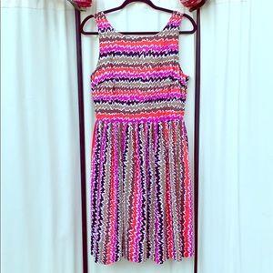 TRINA TURK- SIZE 10 GORGEOUS PLEATED DRESS